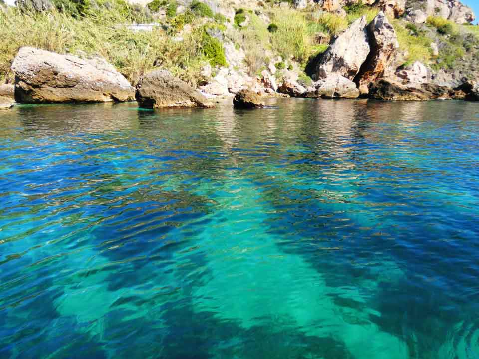Boat-trips-tours-costa-del-sol-axarquia-torre-del-mar-nerja-maro-costaboattrips-com-swimming-children